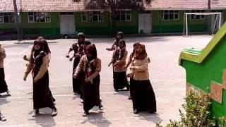 download lagu Senam Sipong Pong Smpn 1 Tena gratis