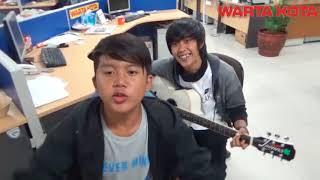 Download Lagu Band laoneis nyanyikan lagu religi insya Allah Gratis STAFABAND