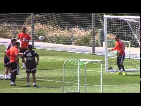 Keylor Navas, Iker Casillas y Diego López, a tope en el entrenamiento