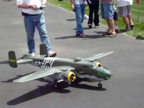 RC B-25 plane