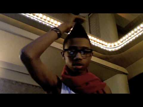 Lil Twist on Tour Bus!! (Flirts with Keke Palmer)