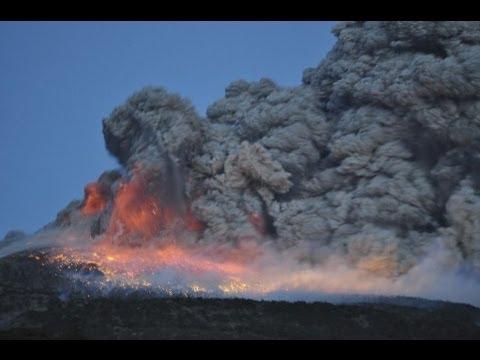衝撃 新燃岳噴火 mount Shinmoedake volcano