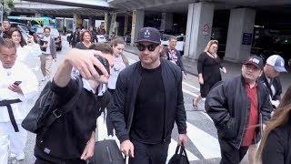 EXCLUSIVE : Liev Schreiber arriving in Cannes via Nice airport