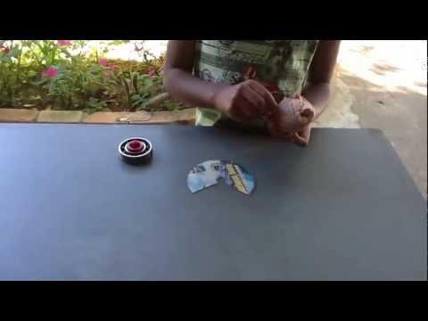 Como fazer seu Beyblade de rolamento (fácil de fazer)