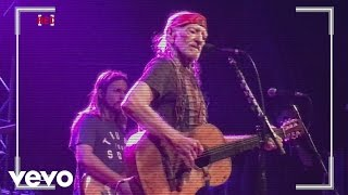 Willie Nelson Still Not Dead
