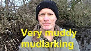 VERY MUDDY MUDLARKING: Riverbank shipbuilding heritage, industrial history and loads of scrap metal