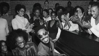 Watch Stevie Wonder Keep Our Love Alive video
