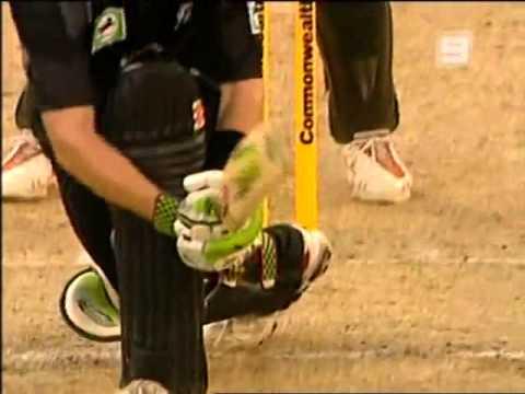 Awful Pakistan umpiring  Asad Rauf at Perth 2007 vs Lou Vincent