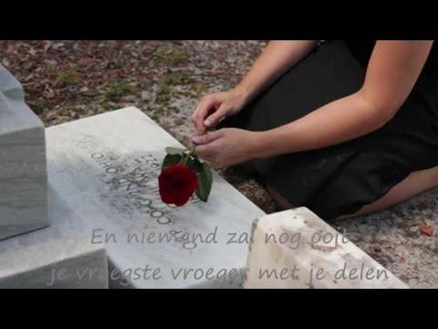 Karin Bloemen -  Geen kind meer (met tekst op clip)
