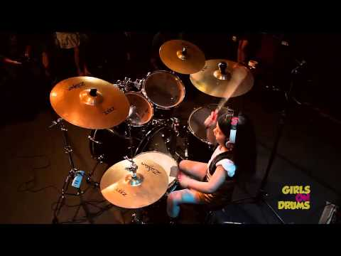 Chop Suey drums cover by 5 year old girl. \o/