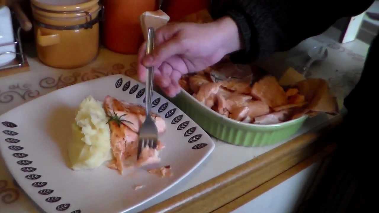 Como hacer salm n a la plancha con pure cocinando con le for Como cocinar salmon plancha