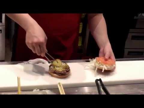 Самый вкусный бургер в Fatburger  (Казино Венеция, Макао)