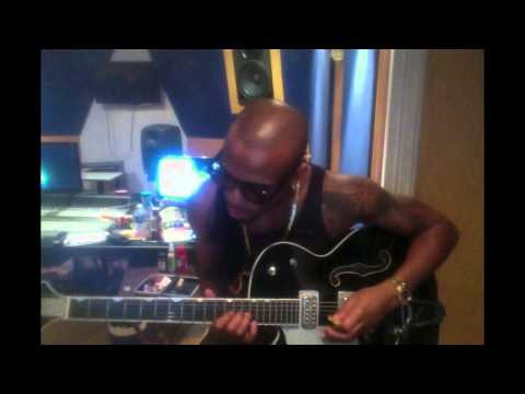 Bob - Play The Guitar