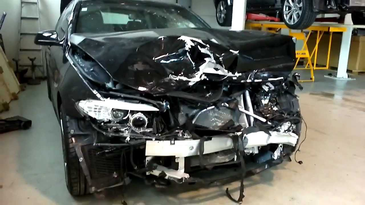 Bmw 5 Series F10 2012 Frontal Crash Youtube