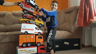 Christmas Morning 2018 Opening Presents with Dlan ToysReview