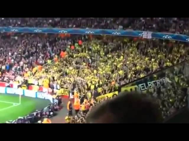 Dortmund Fans at Arsenal ▶ Borussia Dortmund Fans at