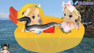 Thơ Nguyễn - Đồ chơi búp bê đi câu cá được những con cá lạ và hiếm