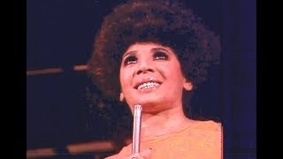 Shirley Bassey - My Way / Bye Bye Blackbird / Send In The Clowns (1976 LIVE)