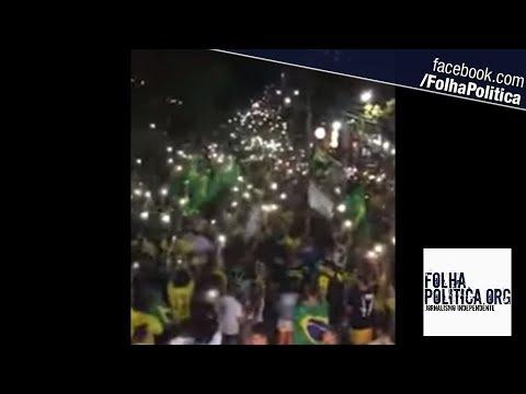 Cidadãos de Natal fazem manifestação noturna impressionante em apoio a Jair Bolsonaro