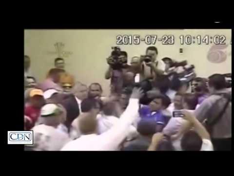Manifestantes sacan a periodista de la CSJ de Honduras