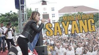 Download lagu Mitha Talahatu - Sayang Live di Millennial Road Safety Festival Ambon
