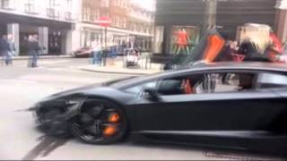 Lamborghini baut Unfall in London