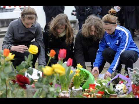 Mindestens 16 Tote gab es bei einem Amoklauf in Baden-Württemberg: Ein ehemaliger Schüler hat in Winnenden und auf der Flucht mindestens 15 Menschen getötet,...