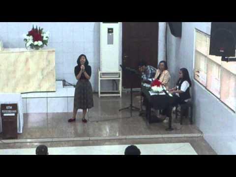 Dia Hanya Sejauh Doa - Trounne Vionadea Horman video