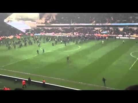 Wolves pitch invader FAIL! Wolves vs Burnley