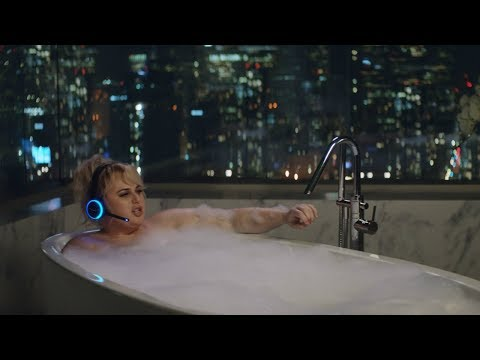 Alexa Loses Her Voice в Amazon Super Bowl LII Commercial