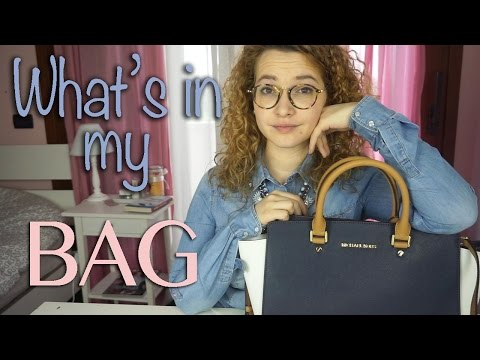 What's in my BAG?!   About Giulia