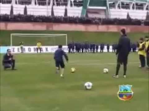 Роналду vs узбекский талант.mp4