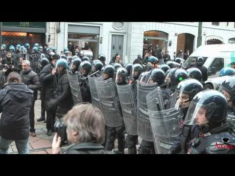 Milano - 30 novembre 2010. No Gelmini Day - Scontri con Polizia