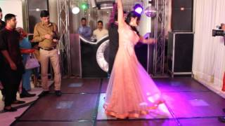 Hua hai aaj pehli baar couple dance wedding performance