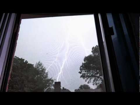 CLOSE LIGHTNING NYC 6-25-2012 Powerful Thunderstorms Severe Weather