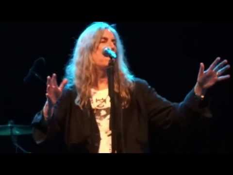 Patti Smith - Pissing in a River (2014 08-05 - Stuttgart)