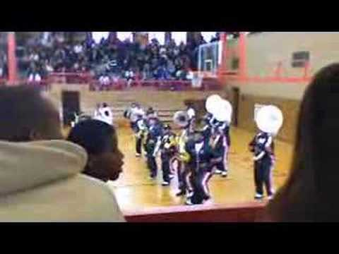 wyandotte {BULL DOGS} marching band Video