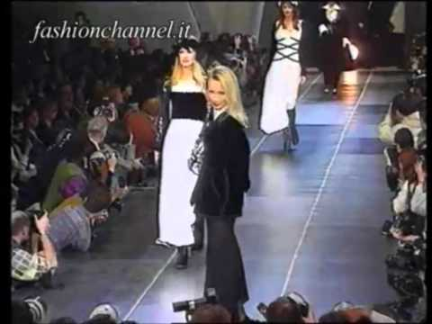 Estelle Lefébure on runway.