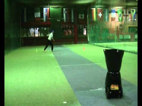 Playmaker ball machine cricket demo 01.wmv