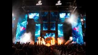 VIPs - Skrillex @ Ultra Music Festival 2012 [HQ] (Full Set + Tracklist)