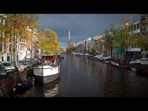 Best of Amsterdam: city of bikes, canals, museum, Coffee Shops and Red Light district