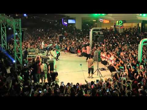 download lagu Summarecon Mal Bekasi - Sheila On 7 Live gratis
