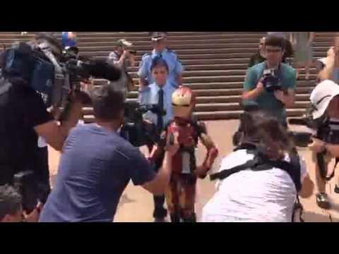 #IronBoyAU Defeats Ultron at Sydney Opera House