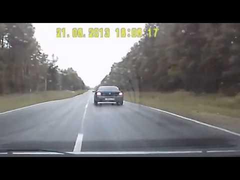 Жуткая авария из за обгона на трассе