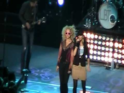 Little Big Town Pontoon Live video