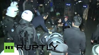 Turkey: Police forcefully break-up protest in support of hostage takers Image
