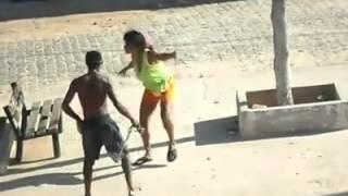 Bêbados dançando Vai no Cavalinho - Durée: 3:30.