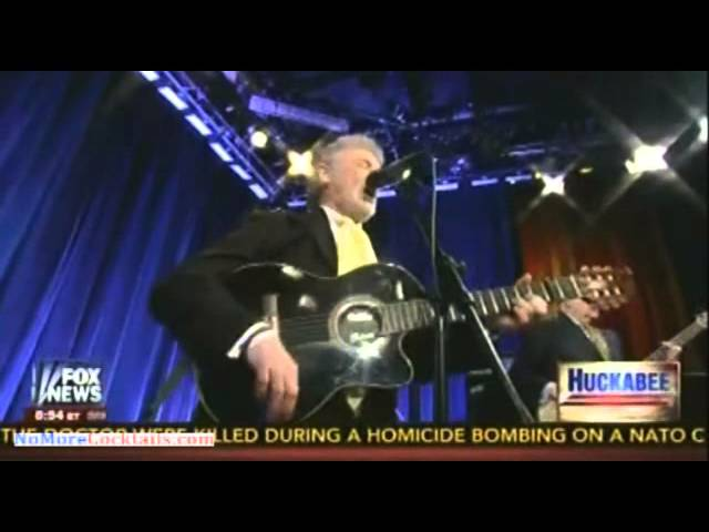 Larry Gatlin sings his new song on Huckabee