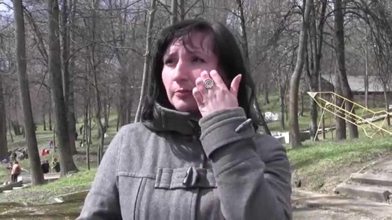 У міському парку Калуша — прибирали, у квітні — садитимуть дерева