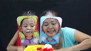 mainan anak Pie Face Showdown Challenge - Family Fun Game - whipped cream challenge